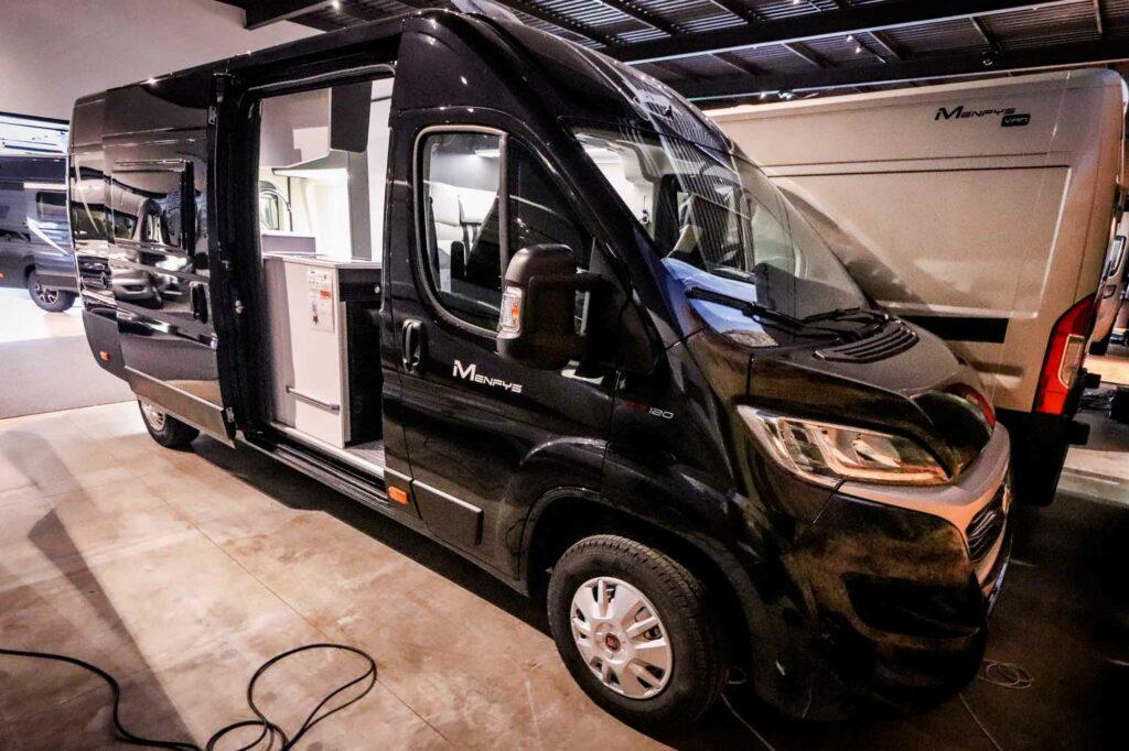 McLouis Menfys Discovery Van 4